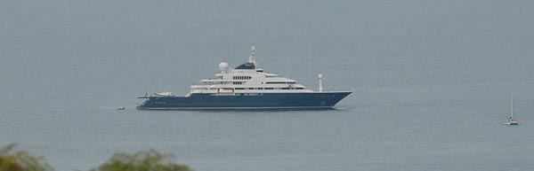 Motor Yacht Octopus owned by Paul Alen
