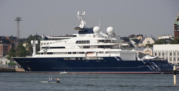 Mega Yacht Octopus in Helsinki harbour