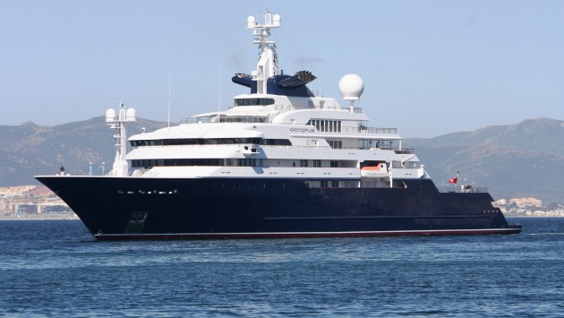 Paul Allen's yacht on the way